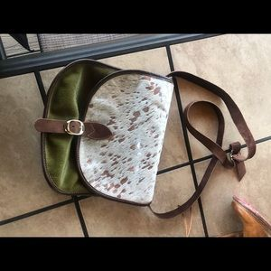 Handbags - ***Real cowhide and Leather Crossbody like new***